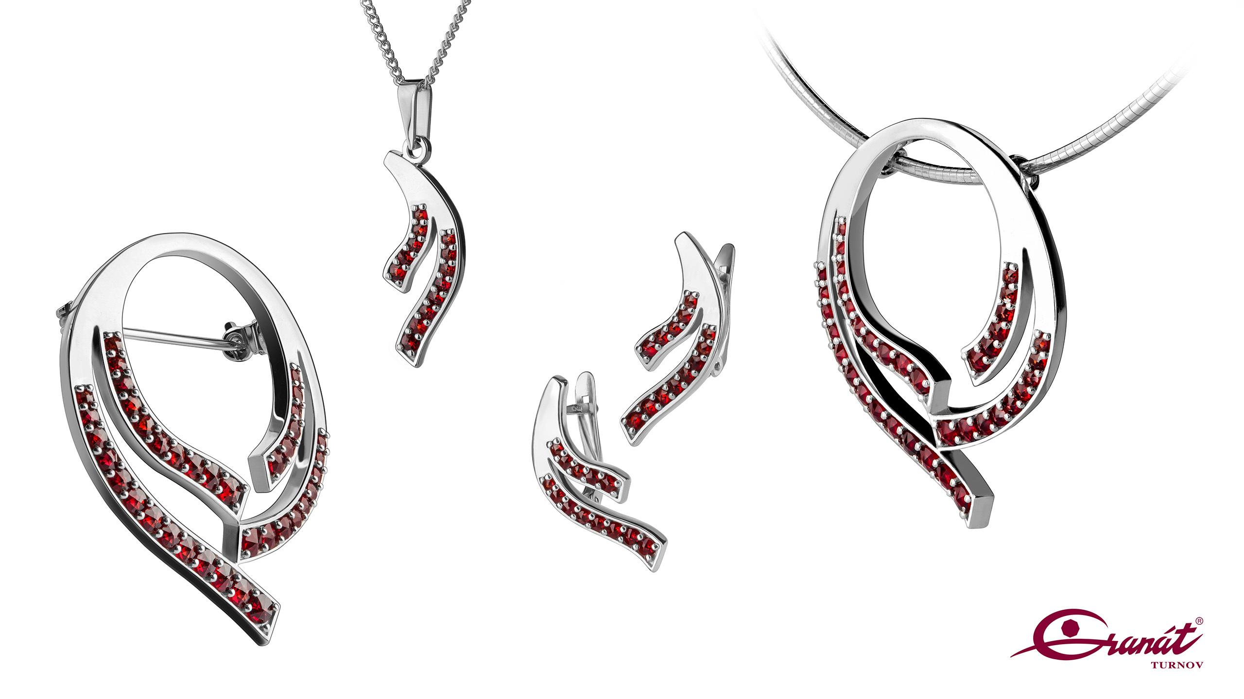 Bohemian Garnet - product photography of jewellery